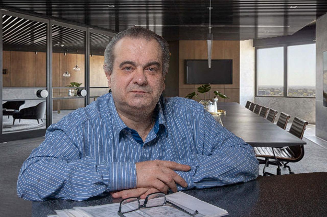 Михаил Толмачев